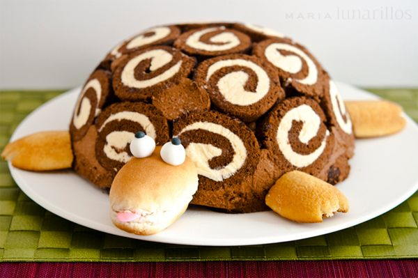 Una tarta original  http://www.pequerecetas.com/recetas-para-fiestas-infantiles/tortuga-gertrudis/
