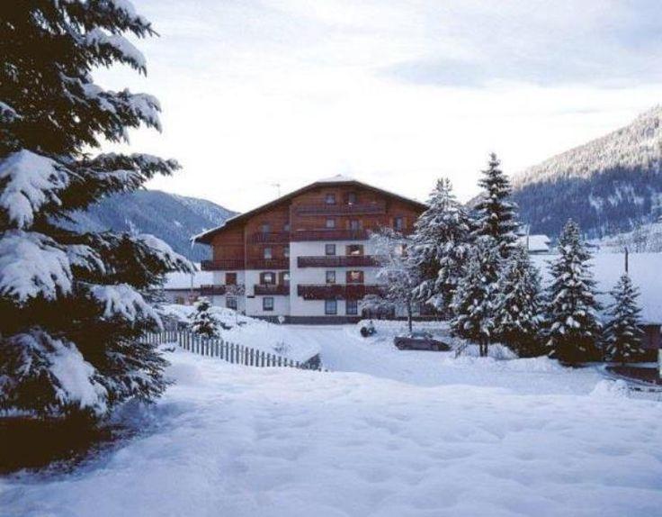 Hotel Ciampian*** Familiäre Gastfreundschaft in 3. Generation, damit sich unsere Gäste wie zu Hause fühlen. Buchen Sie Ihren Aufenthalt unter: http://www.hotelciampian.it/