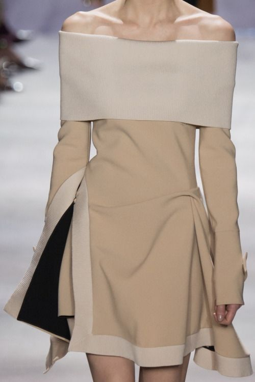Christian Dior Fall 2016 - such a beautiful conception & cut. Love.