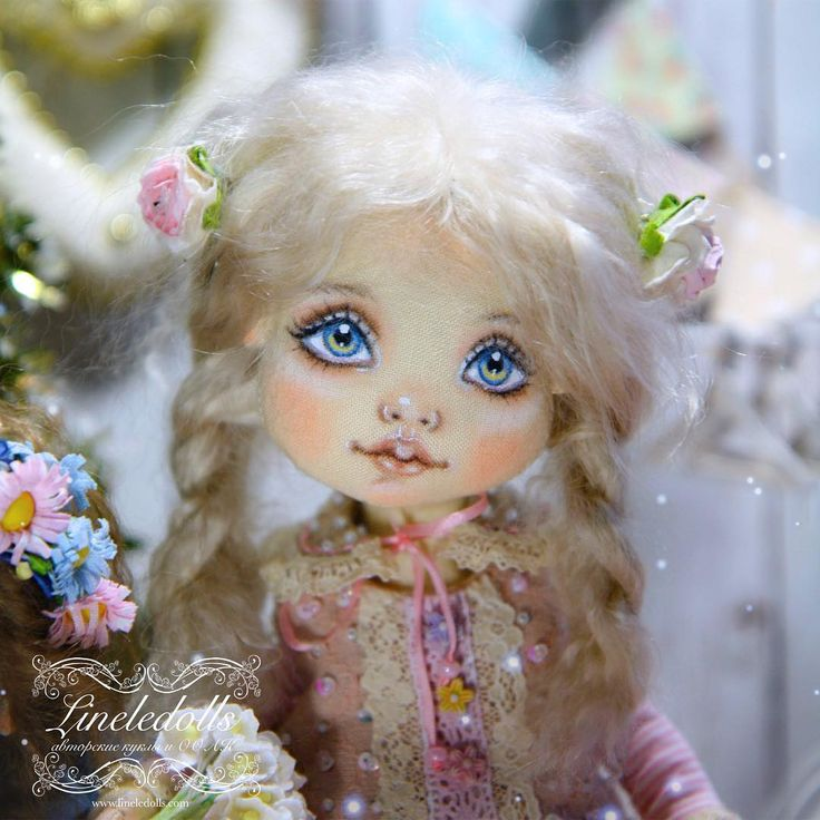 Нежное личико Элис вам в ленту  Пусть все-таки волшебство наступит и дальше будет всё только хорошее✨✨✨ Любви вам и радости, берегите себя и близких   #кукла #куклы #кукларучнойработы #текстильнаякукла #кукланазаказ #куклаизткани #дети#коллекционнаякукла #авторскаякукла #куклыручнойработы #doll #dolls #dollstagram #dollface #shabbychic #art #dress #платье #россия #санктпетербург #instagood #instadoll #dress #cute #sewing #рукоделие #craft #handmade #ручнаяработа