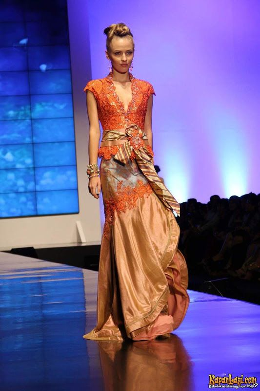 The collections of Ferry Sunarto at Indonesia Fashion Week 2012 | Di Nozze