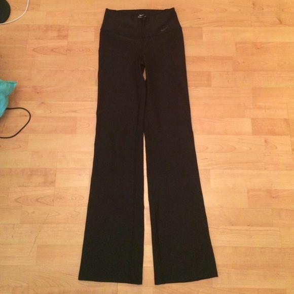 NWOT Nike Yoga Pants Black Nike dri-fit yoga pants! Brand New!! Work out material! little inside pocket for key. Nike Pants