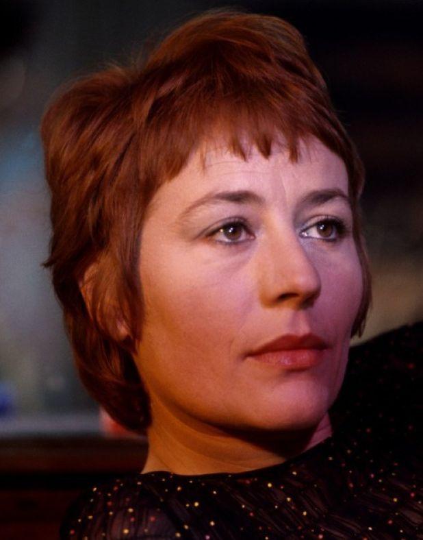 Annie Girardot Nom de naissance Annie-Suzanne Girardot Naissance 25 octobre 1931 Paris, France Nationalité : Française Décès 28 février 2011 (à 79 ans) Paris Profession Actrice Chanteuse (1966-1981)