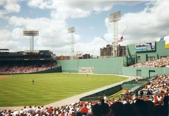 History Of Fenway S Green Monster The Green Monster In