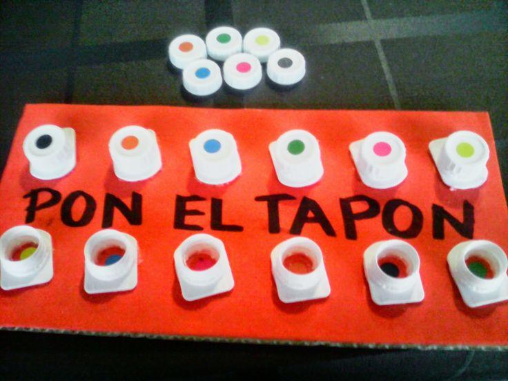 """APRENDE JUGANDO CON PETRA: """"PON EL TAPÓN"""", practica la motricidad fina enroscando y desenroscando"""