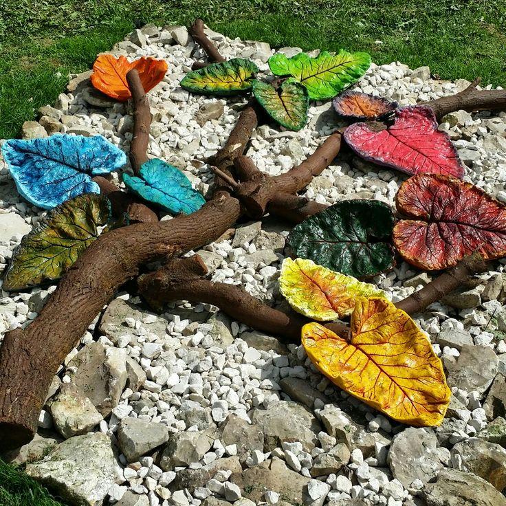 Бетонные листья