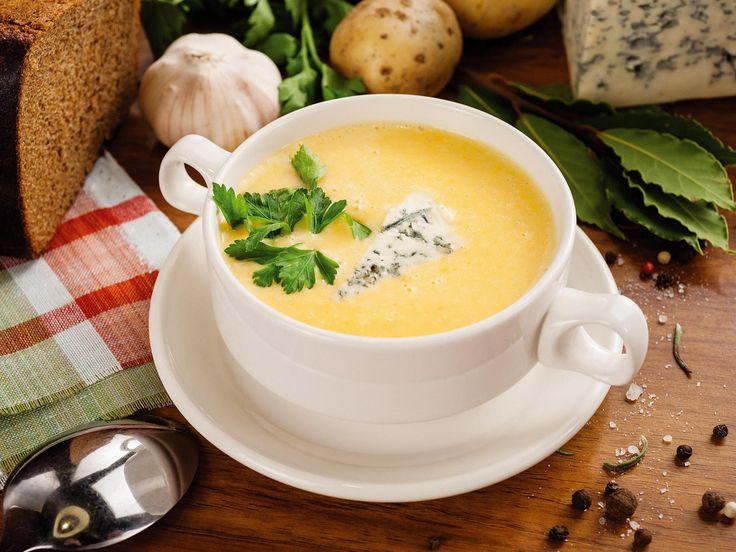 SOUND: http://www.ruspeach.com/en/news/11538/     Для приготовления сырного супа с овощами и беконом, вам потребуется 3 стакана молока, 0.5 чайной ложки соли, щепотка молотого черного перца, 350 г картофельного пюре, 1 стакан измельченного твердого сыра, кусочки поджаренного бекона. Перемешайте все ингредиенты и варите 5 минут под крышкой.    To make a cheese soup with vegetables and bacon, you need 3 glasses of milk, 0.5 teaspoons of salt, a pinch of black pepper, 350 g of m