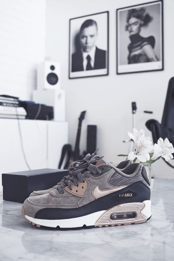 nike social factor Pestle analysis of nike the focus should be on the macro environmental factors of nike, as it is an international organization, so consists of political, economics, society, and technology.
