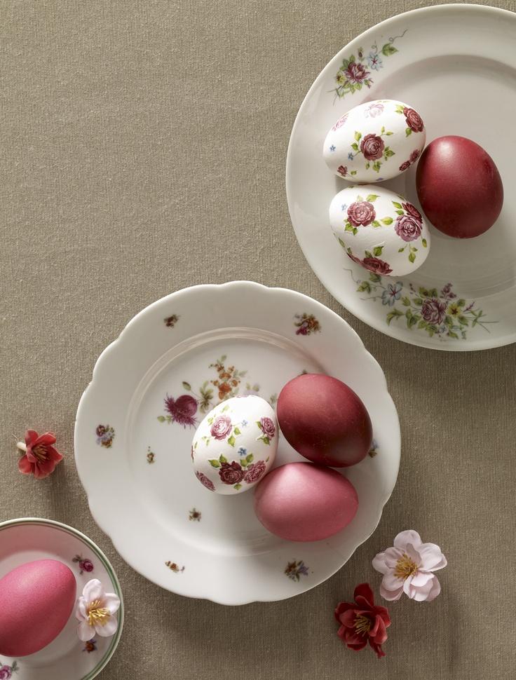 Easter Egg Decoration made with napkin decoupage // Photo by Csaba Villányi, styling by Zsófi Szigeti // Published in Éva Magazine, evamagazin.hu