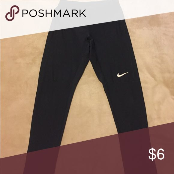 Nike running tights Black Nike running tights great for working out. Has a back pocket that zips for storage. Nike Pants Sweatpants & Joggers