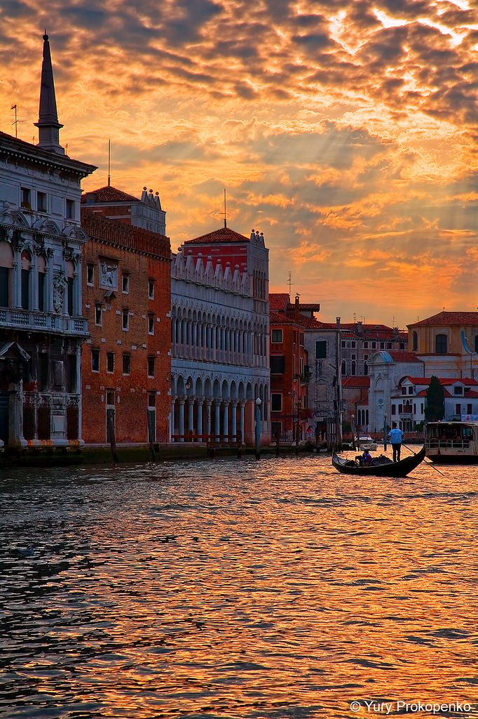https://flic.kr/p/74Agqe | Sunset over Grand Canal, Venice, Italy | Sunset over Grand Canal, Venice, Italy   f/11 | ISO200 | 1/320 | 105mm | -1 EV