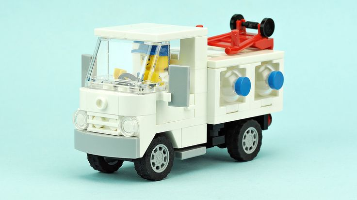 Bottled water delivery truck | Building instructions YOUTUBE… | Flickr