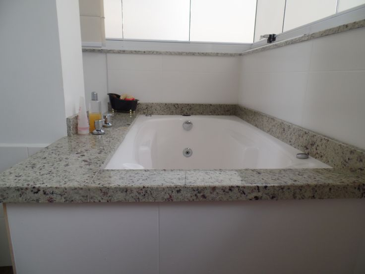 Banheira em Granito Branco Dallas  Banheiros  Pinterest  Ems e Dallas -> Banheiro Decorado Com Granito Preto