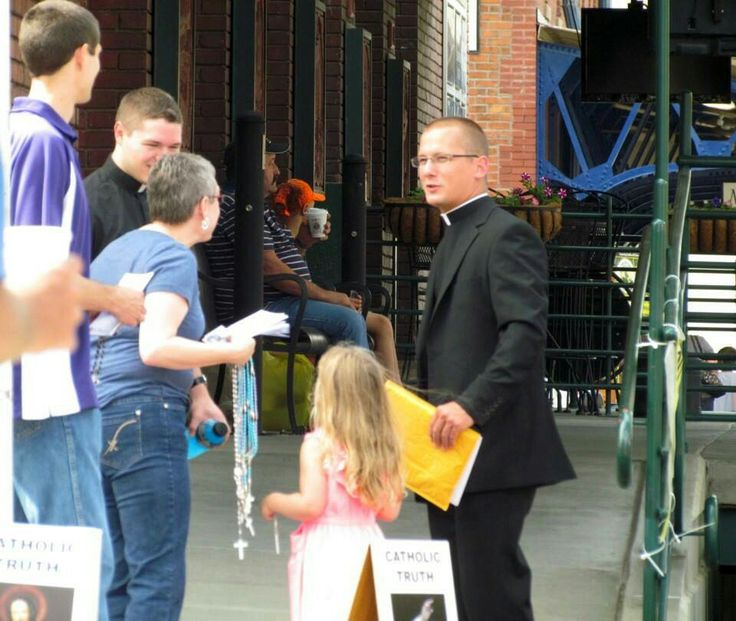 In this picture, evangelist Danielle greets two priests who had happened to be walking by. During that day, she had some powerful discussions with some college ladies visiting from Wisconsin. One of the ladies, Miranda, was a Baptist but wanted to know about the Catholic faith and even had been considering becoming Catholic. Both Danielle and Miranda were involved in music and theater, which helped the fruitfulness of the discussion. Miranda was given a Rosary, Miraculous Medal, and…