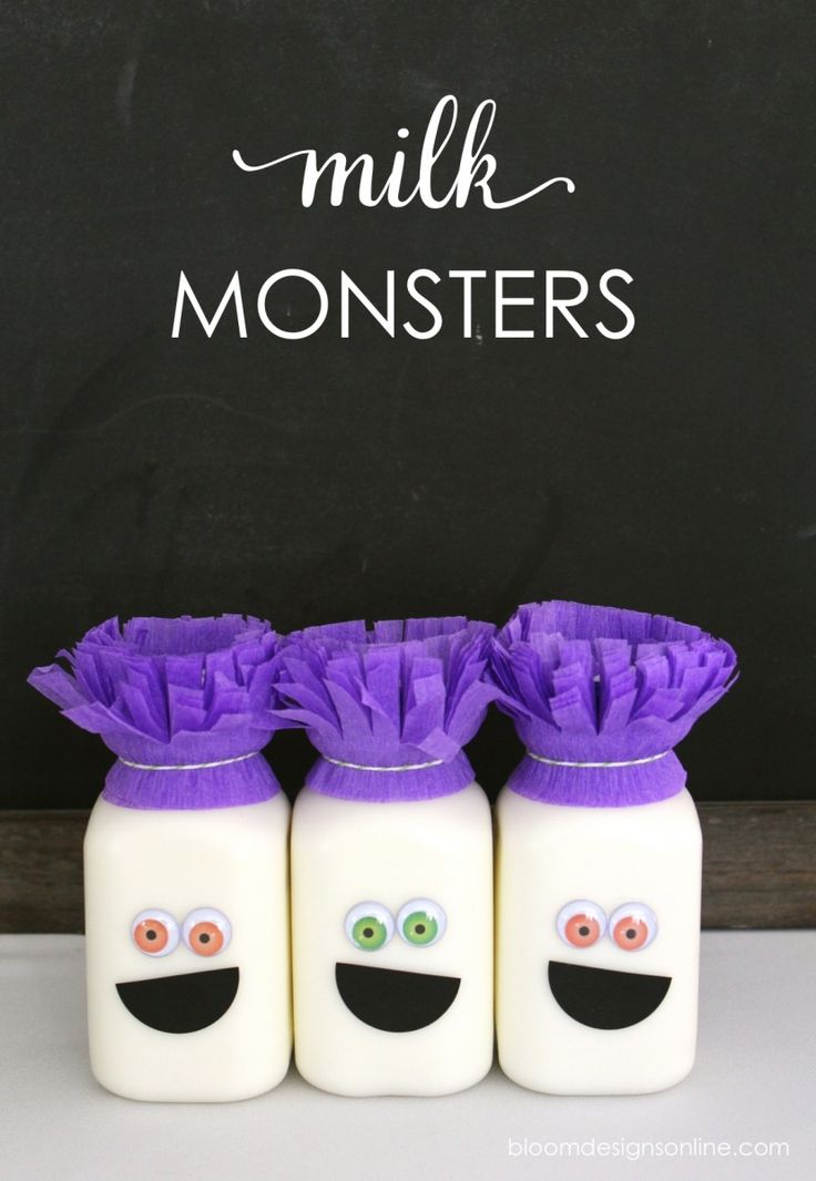 Hi everyone- I wanted to share a few easy last-minute, DIY's from yesterday's Monster Milk Bar. In case you missed it, check it out here. These both just take a few minutes so you still have plenty of time before Halloween to make them. Aren't these little guys cute? These Monster Milk containers are an easy way to a tiny bit of healthy to you