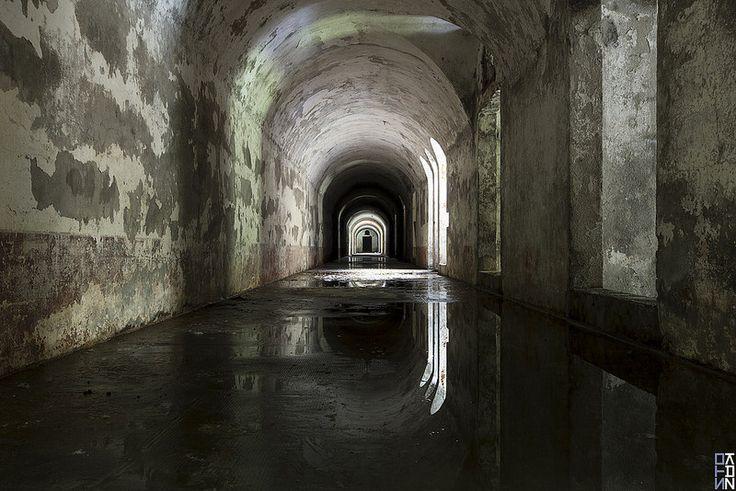 The Labyrinth #2 - Black Mirror -