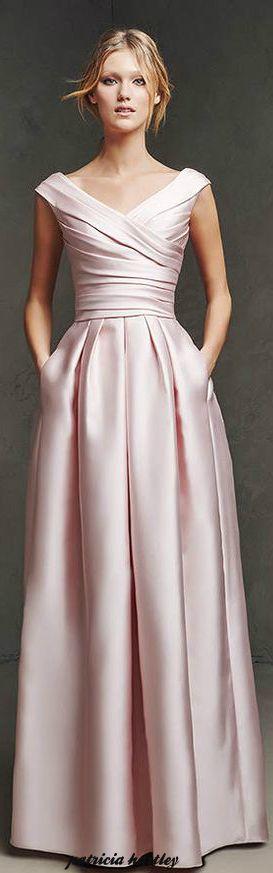 Definitely in love with Pronovias wedding dress !! :-) Pronovias - 2016