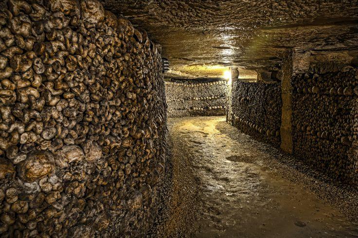 Nelle #catacombe di #Parigi