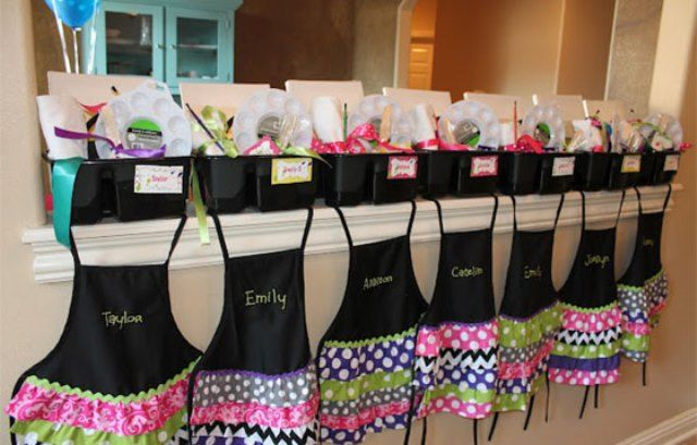 Art Party Aprons! (Probably more work than I'm willing to do, but so cute.)