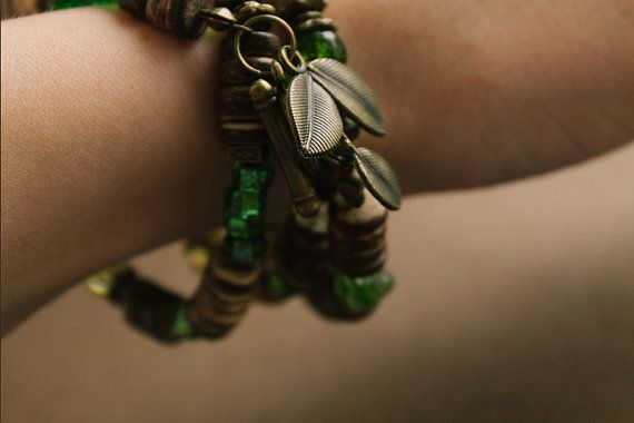 Cetonia aurata bracelet от TaigaTheBorealForest на Etsy