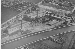 Merwedekanaal,demka fabrieken. En de wijk zuilen met weiland