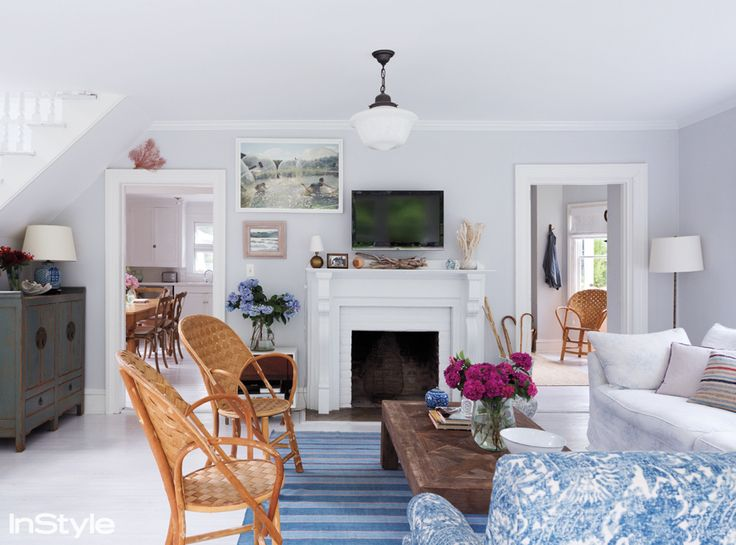 Taylor-Made Living: Come InsideDesignerRebecca Taylor's Beach House - The Living Room from #InStyle