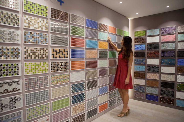 Vasta scelta di colori, formati e materiali per i tuoi mosaici: vetro, legno, acciaio, gress... per offrirti le soluzioni che desideri!