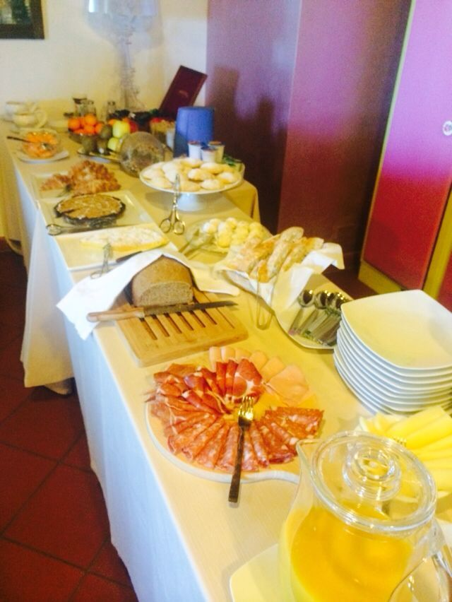 Buffet breakfast Antico Granaione