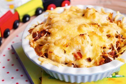 Marzy Ci się smaczna zapiekanka makaronowa? Kuchnia Lidla ma coś dla Ciebie! Przepis na makaron zapiekany z kalafiorem w sosie mięsnym!