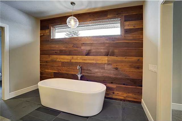 Reclaimed wood wall bathroom  Bathroom  Pinterest  The ojays ...