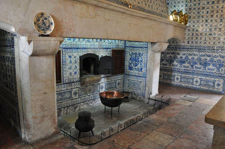 Odivelas | Cozinha do Mosteiro de / Kitchen of the Monastery of S. Dinis e/and S. Bernardo #Azulejo #AzulejoDoMês #AzulejoOfTheMonth #Odivelas