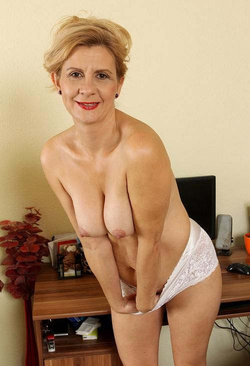 40 plus milf loves to fuck 2