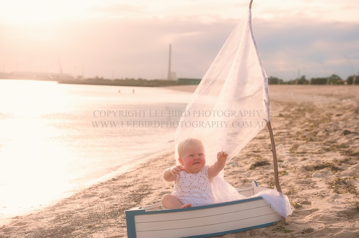 Beachfront Whimsy {Port Melbourne | Family Photography} www.leebirdphotography.com.au