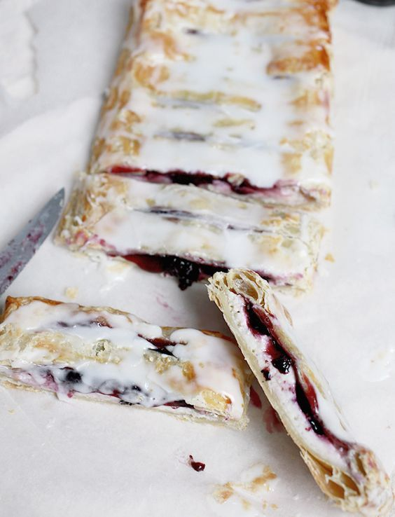 blueberry cream cheese pastry