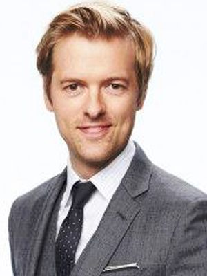 Move over Jude! I have a new, much younger, Brit to fawn over ❤️ (Adam Campbell from Mixology). SERIOUSLY, just listen to him speak #meow! #mcm #adaylate