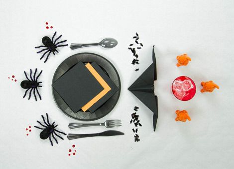 the 25 best araign es rouges ideas on pinterest araign es windows list and sculpture art fil. Black Bedroom Furniture Sets. Home Design Ideas