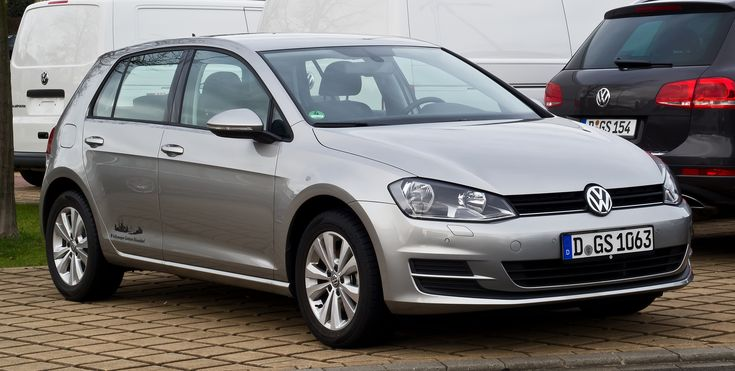 https://upload.wikimedia.org/wikipedia/commons/4/44/VW_Golf_1.6_TDI_BlueMotion_Technology_Comfortline_(VII)_%E2%80%93_Frontansicht,_31._Dezember_2012,_D%C3%BCsseldorf.jpg