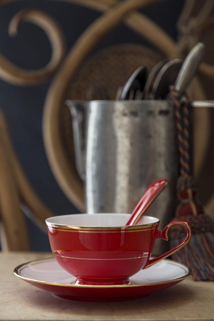 Karaca Kırmızı Bone China Çay Fincanı