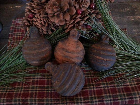 Primitive Christmas Ornaments by MeltingBarnPrims on Etsy, $3.00