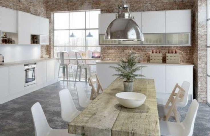 Tavoli in legno grezzo - Tavolo in legno grezzo in cucina ...