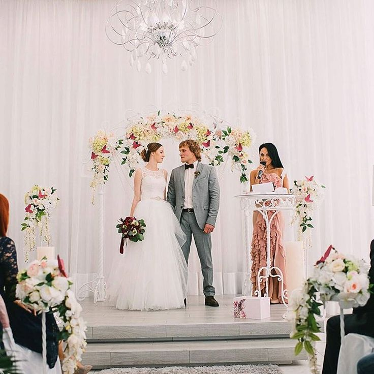 Нашей семье сегодня ровно 1 год��  Наша первая годовщина! ������ #justmarried #wedding #love #mylove #myhusband #family #годовщинасвадьбы #нашасвадьба #семейноефото #семья #свадьба http://gelinshop.com/ipost/1519075883922461856/?code=BUU13fQD5Sg