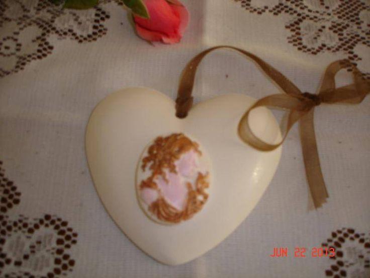 coeur en plâtre et camée  décoration murale  ESPRIT DECO