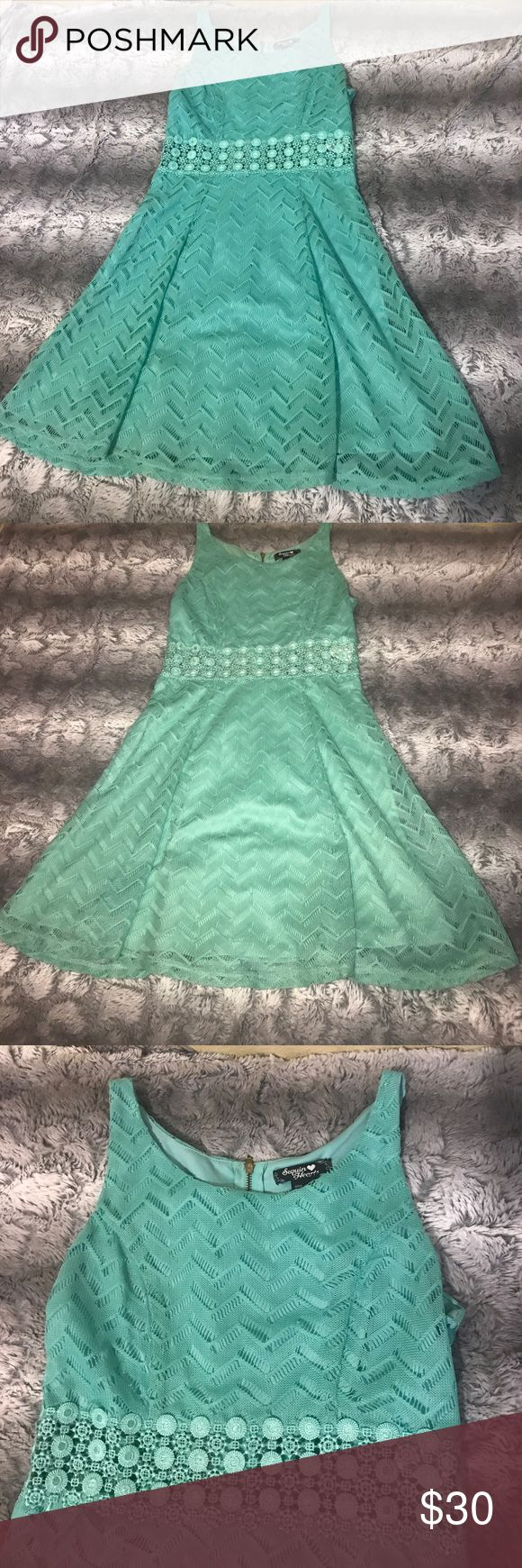IN GREAT CONDITION! 💖 Mint dress, lace at the stomach and shows a little bit of skin Dresses Mini