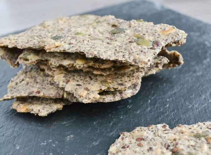 Krokante Chiazaad en Boekweit Crackers