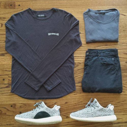 350 boost and simple outfit.