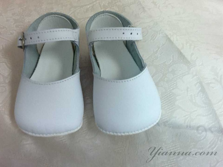 Shoo-zee girls shoes $28.00 Available sizes Size 1 ages 0-6 months, Size 2 6-12 months