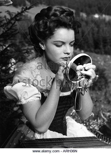 schneider-romy-2391938-2951982-german-actress-half-length-during-making-arh36n.jpg (391×540)