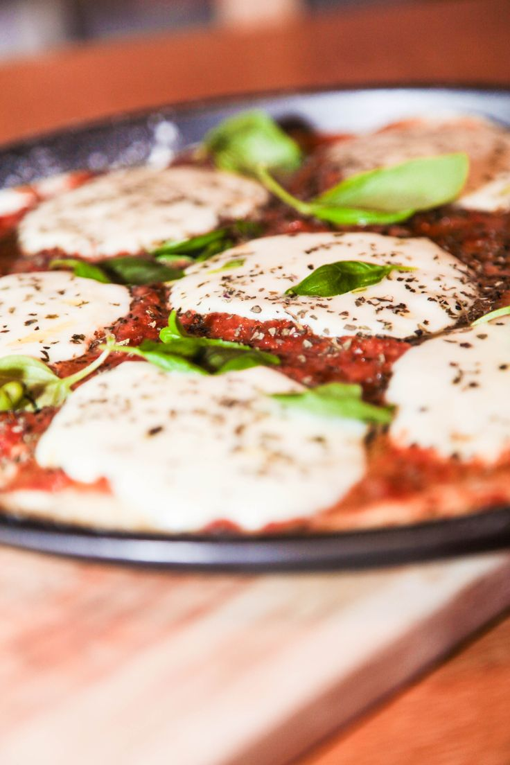 The Best Ever Pizza Sauce | An easy to make, finger licking good pizza sauce.