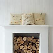 fireplace | I like... interior | Pinterest | Pillows ...