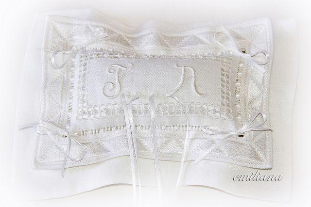L'alternativa:cuscino portafedi